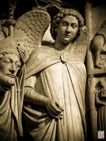 Notre Dame Angel et pople BL