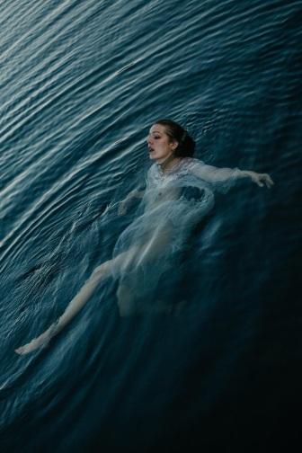 Amelia in water Luis Rosado